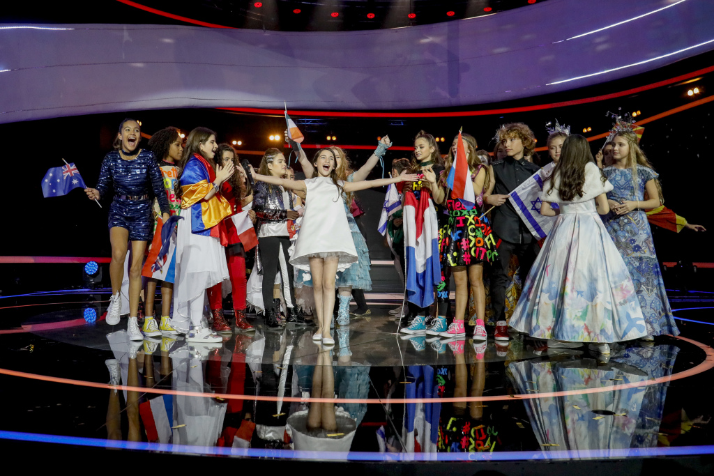 Junior Eurovision 2016 winner Mariam Mamadashvili from Georgia on stage with all of the 2016 performers in Malta.